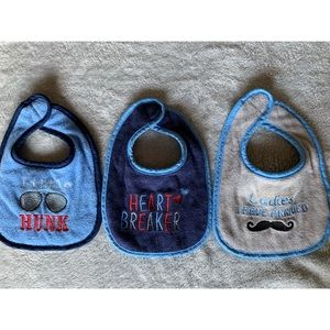 Luvable Friends- 3 Pack Bibs | Size: OS